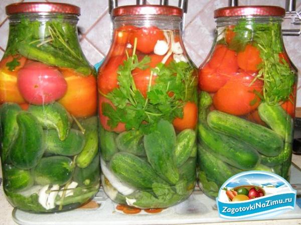 как посолить огурцы и помидоры на зиму самый простой рецепт пошаговый