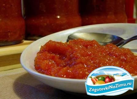 Как приготовить сырую аджику из помидор