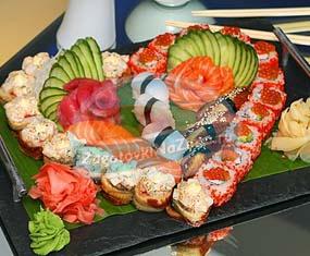 Как выгодно заказать японские блюда на дом?